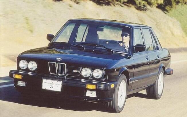 BMW M5 de 1985, o primeiro com a preparação com aval da divisão de esportivos da marca alemã, a  BMW Motorsport