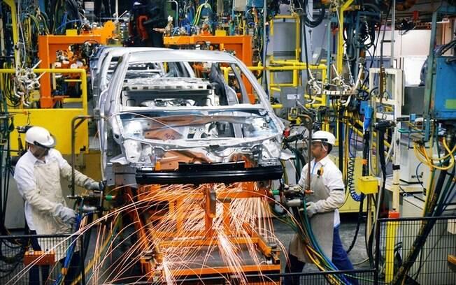 Linha de montagem da GM do Brasil, que vai lançar novos modelos no País, onde está se reestruturando