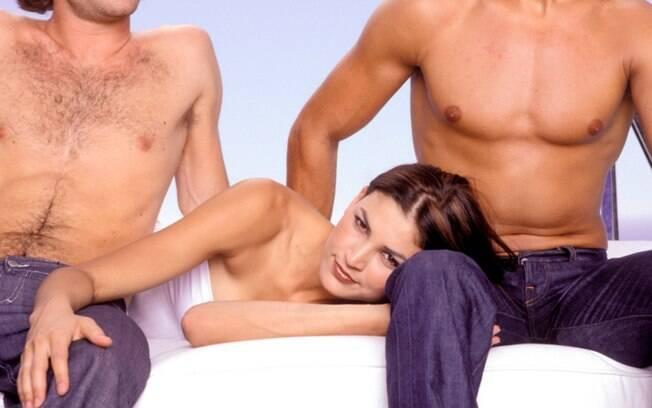 Diálogo, confiança e intimidade são essenciais para um sexo a três prazeroso