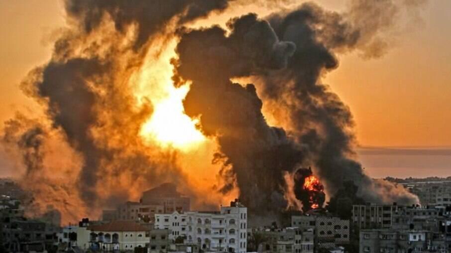 Bombardeio israelense na Faixa de Gaza deixou mais de 80 mortos