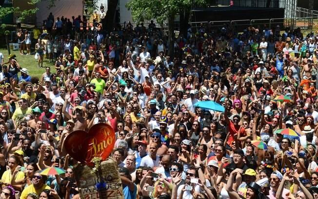 Bloco Bicho Maluco Beleza, comandado por Alceu Valença, reuniu milhares de foliões no Ibirapuera no pré-carnaval
