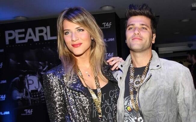 Bruno Gagliasso e Giovanna Ewbank chegaram ao show durante a terceira música do Pearl Jam