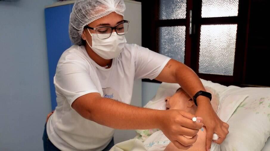 Exclusão de intervalo para aplicação de vacinas deve entrar em vigor em outubro