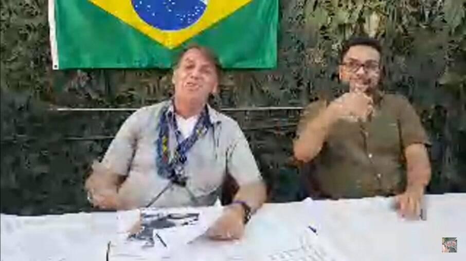 Bolsonaro durante transmissão do último dia 27