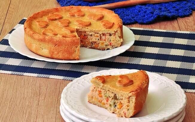 Foto da receita Torta de frango com requeijão cremoso pronta.