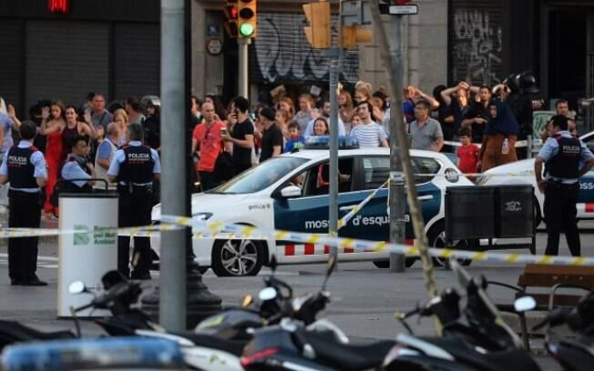 Estado Islâmico assumiu a autoria do atentado terrorista desta quinta-feira em Barcelona; entenda o que aconteceu