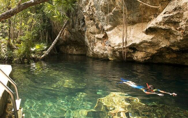 A água fresca dos lagos naturais,sagradas para os Maias, são interligadas por uma vasta rede de cavernas e túneis