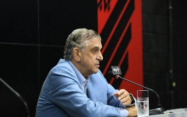 Petraglia, presidente do Athletico-PR