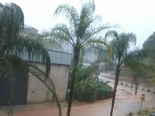 Chuva provoca alagamentos em pontos diferentes de João Monlevade