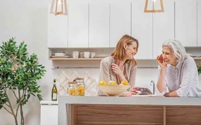 Almoço ou jantar em casa pode ser boa oportunidade para rever fotos, principalmente agora que não revelamos mais