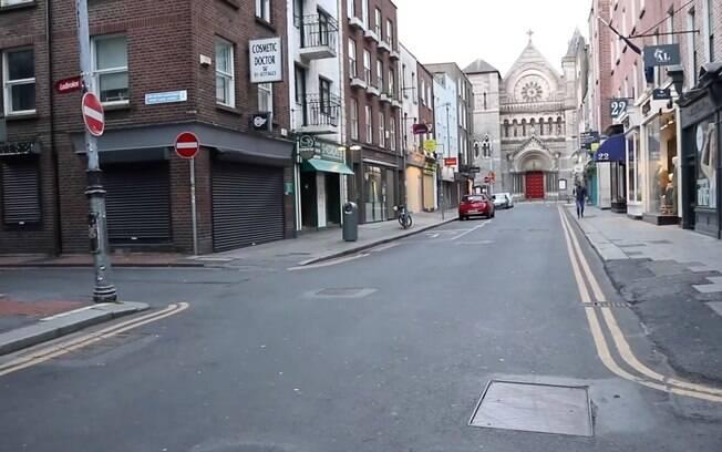 Suas ruas, que antes eram repletas de moradores e turistas, hoje se encontram desertas.