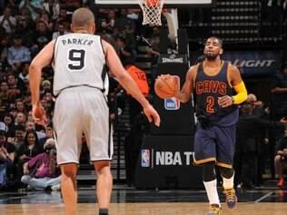 Além de marcar 57 pontos, Irving anotou cinco assistências, quatro roubadas de bola e três rebotes