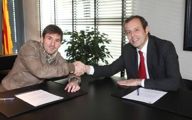 Messi renovou contrato até 2018 com o  Barcelona