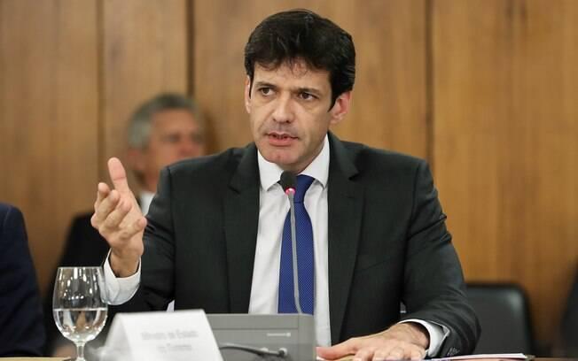 Ministro do Turismo, Marcelo Álvaro Antônio terá que prestar explicações em comissão do Senado