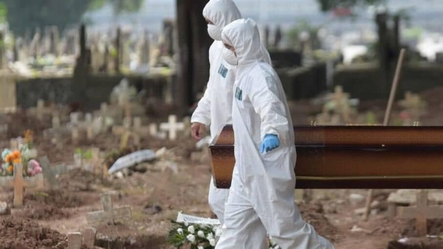 Senadores prometem punir culpados pela condução da pandemia no país