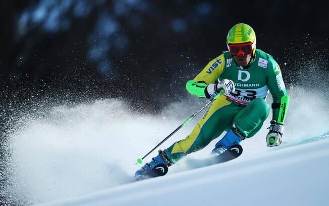 Jhonatan Longhi é o nome do Brasil no esqui  alpino e também já tem índice para Sochi 2014
