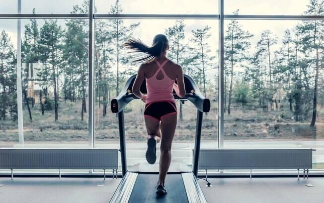 Corrida na esteira, treino na bicicleta ou no elíptico e algumas aulas entram na lista dos treinos aeróbicos