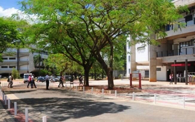 Praça do Ciclo Básico, próximo ao Bandejão, na Unicamp.