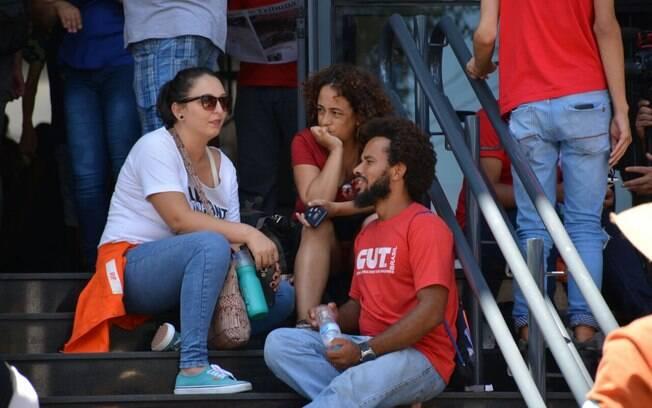 Apoiadores de Lula fizeram ato na República, em São Paulo, após o resultado de julgamento do petista no TRF-4
