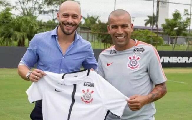 Emerson Sheik e Vilson serão os novos gerentes de futebol do Corinthians no lugar de Alessandro