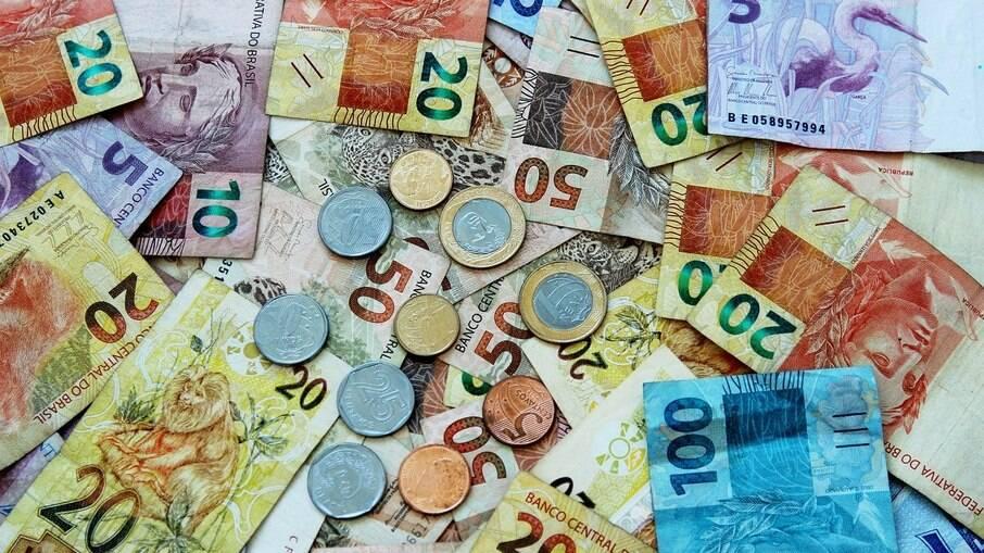 dinheiro notas cédulas real reais