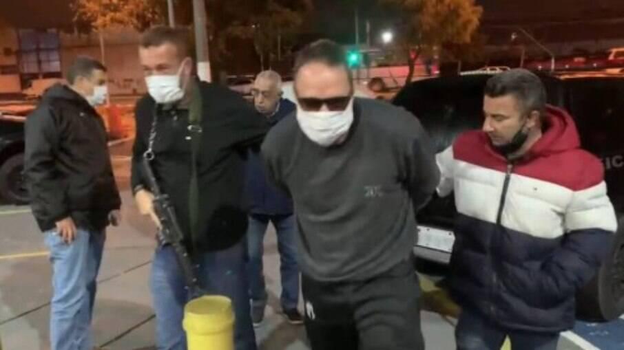 Ex-vereador Christiano Girão sendo preso em São Paulo