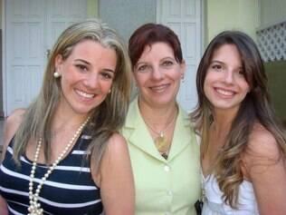 Márcia entre as filhas: palmada não foi recurso para elas