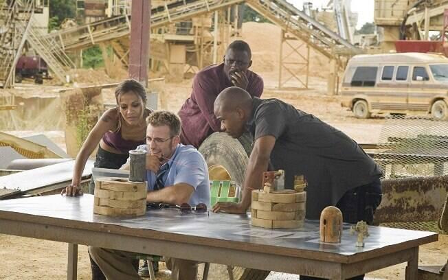 Chris Evans, Zoe Saldana e atores no filme