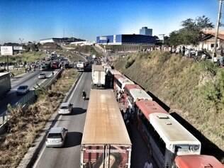 Situação das estradas gera constantemente manifestações pelo país