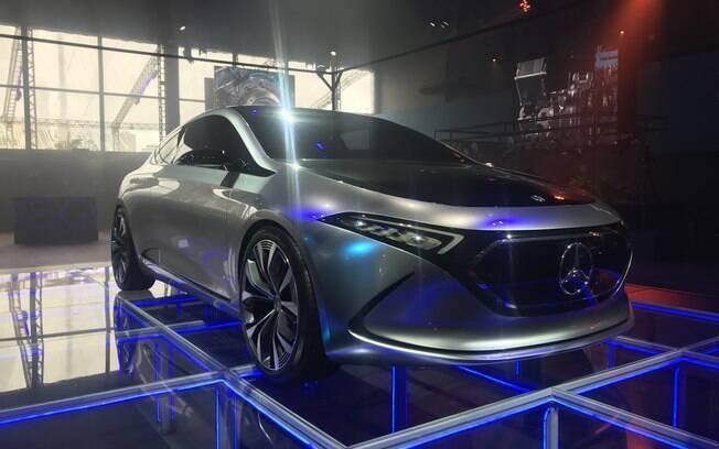 Conceito EQA, que adianta o futuro da estratégia da Mercedes com a família EQ como modelo de entrada entre os elétricos