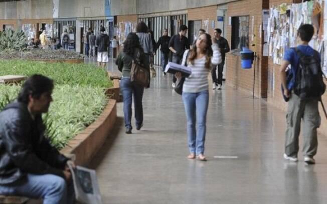 Renovação do contrato é obrigatória, se o estudante não fizer a renovação a cada semestre terá seu contrato cancelado