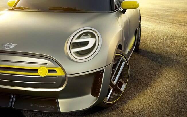 O Mini Coooper, marca que pertence a BMW, chegará também na versão elétrica, aproveitando o DNA urbano do carro