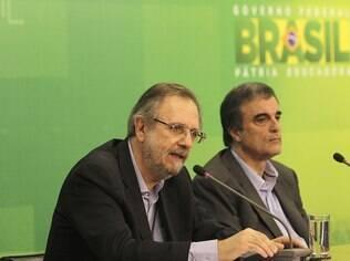 Rossetto e Cardozo estiveram reunidos durante a tarde com a presidente Dilma, no Palácio da Alvorada, neste domingo (15)