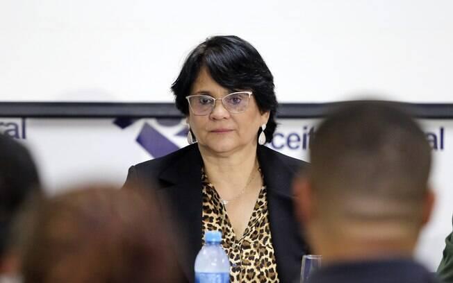 MP cobra que Damares explique mudanças na Comissão sobre Mortos e Desaparecidos