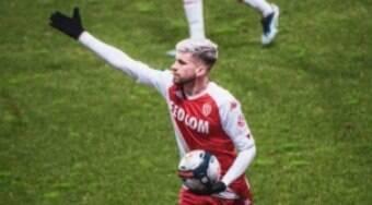 Caio Henrique promete lutar por vaga na lateral da Seleção