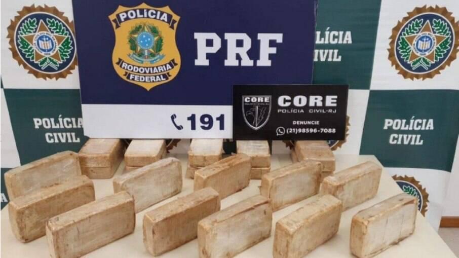 No Rio de Janeiro, policial militar de São Paulo é preso com mais de 20 kg de cocaína