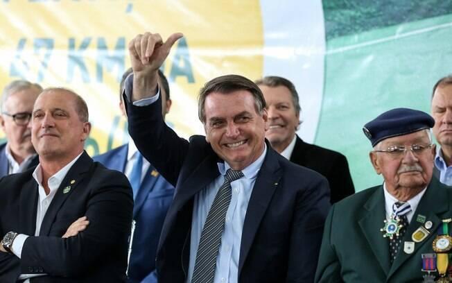 Bolsonaro pode ferir lei ao inaugurar escola com seu nome