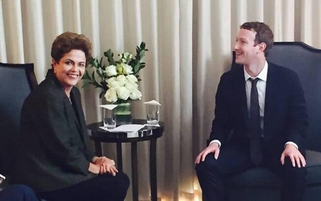 Dilma postou foto ao lado de Mark Zuckerberg em seu perfil no Facebook