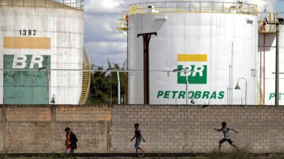 Segundo nota do MPT, empresas do setor de óleo e gás, entre elas a Petrobras, alteraram, unilateralmente, as escalas de trabalho de seus empregados
