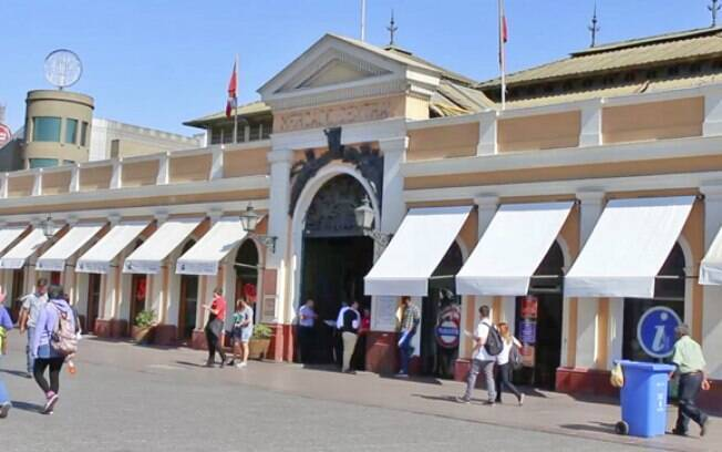 Mercado Central é um dos pontos obrigatórios para quem visita Santiago