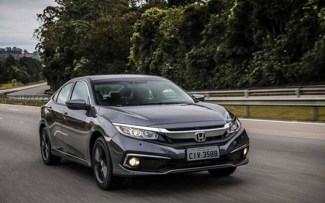 Honda Civic é o carro que menos perde valor no Brasil depois de um ano, conforme o estudo da KBB Brasil