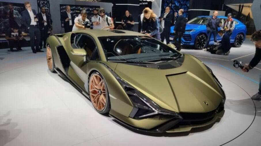 Previsto para 2023, o Sián é o primeiro Lamborghini híbrido. Tem 819 cv e é o mais rápido da história!