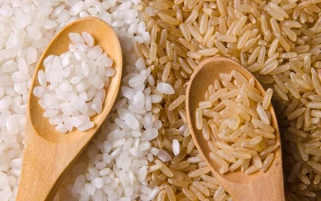 Quando se fala de arroz na dieta, indica-se o consumo do arroz integral em relação ao arroz branco, já que é mais nutritivo