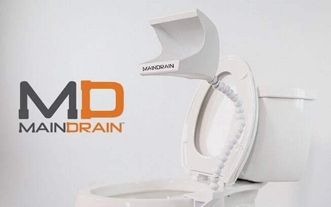 Segundo criador, mictório portátil pode ser usado com as duas tampas do vaso sanitário fechadas