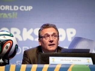 Jérôme Valcke cobrou que as autoridades envolvidas na organização da Copa não desapontem os fãs de futebol, que esperam quatro anos pelo Mundial
