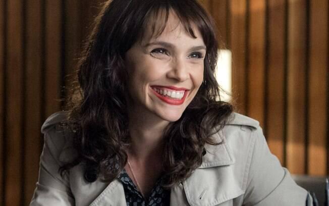 Irene, personagem de Débora Falabella em