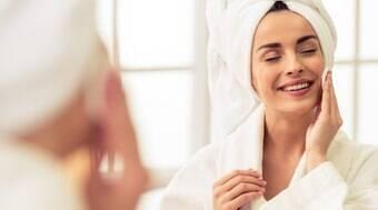 Cinco dicas para retardar rugas, flacidez e manchas no rosto