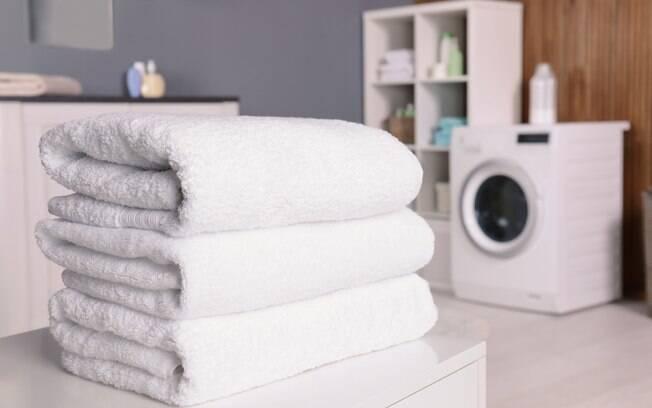 Passo a passo ensina como deve ser o processo de lavagem das toalhas; objetivo é deixá-las limpas, macias e cheirosas