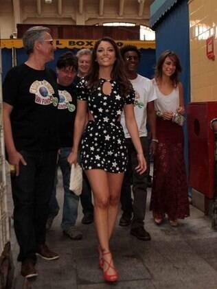 Maria Melilo e Miá Mello chegam ao Mercadão com a turma do Casseta & Planeta