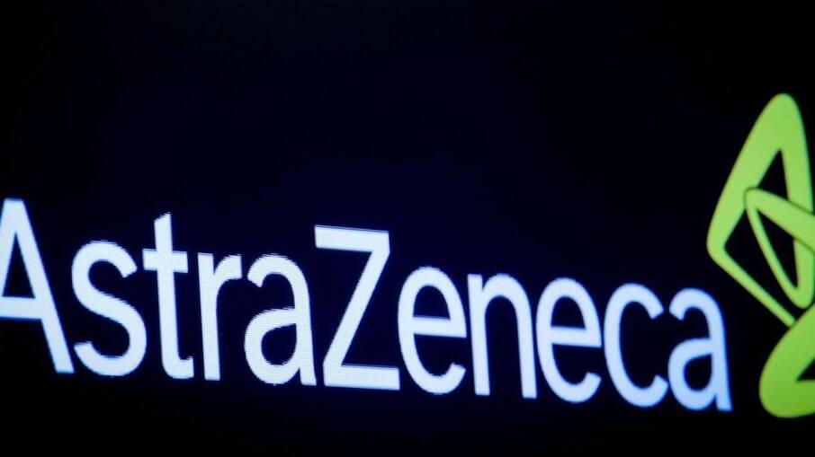 Medicamento da AstraZeneca reduz em até 77% chances de ter sintomas em não vacinados
